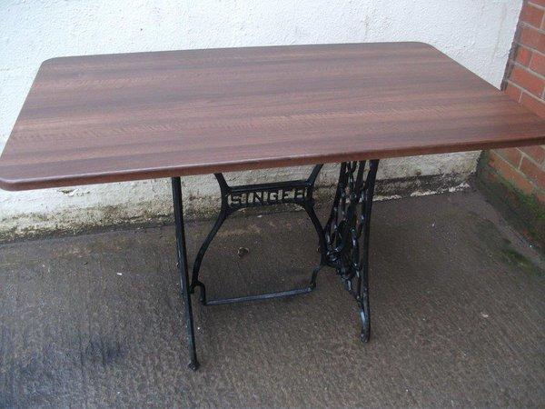 5x Restaurant Tables (Code T 1472)