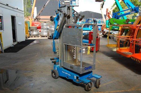 Genie AWP25S RT Mast Lift