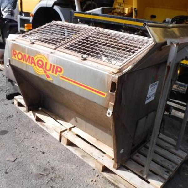 Romaquip Stainless Steel Gritter C/W Engine