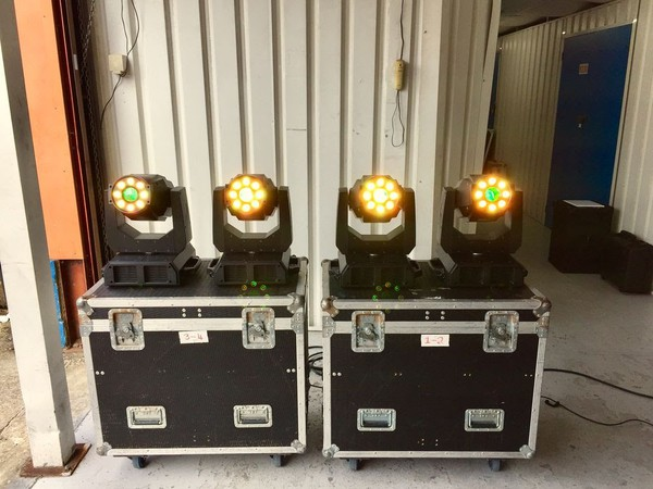 Used profile lights with flight case
