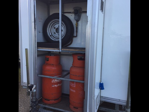 Buy Wessington 4 Bay Shower Trailer