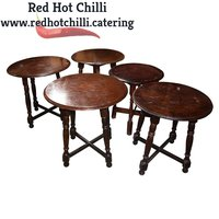 Round restaurant tables