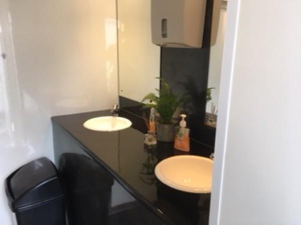 Secondhand Luxury toilet trailer