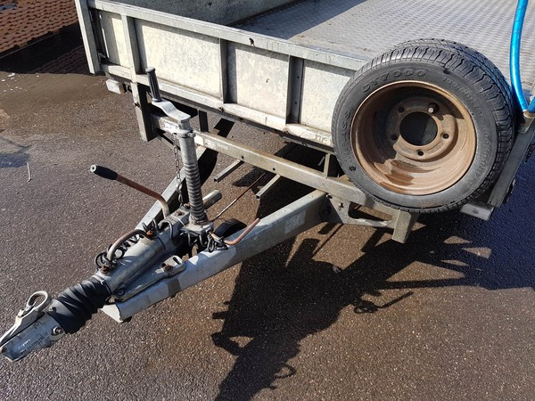 Used tri axle trailer for sale