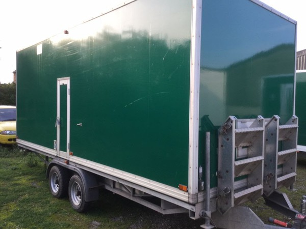 Premier toilet trailer