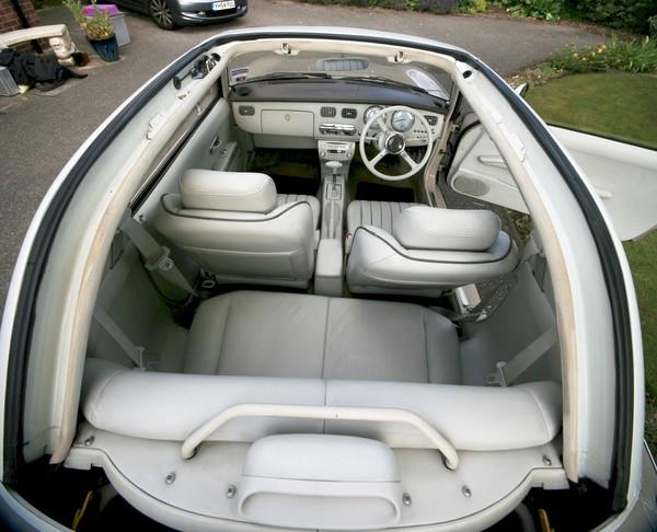 Nissan Figaro 1950/60 interior