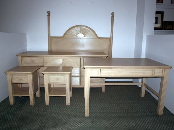 Secondhand Hotel Furniture – Bedroom Settings