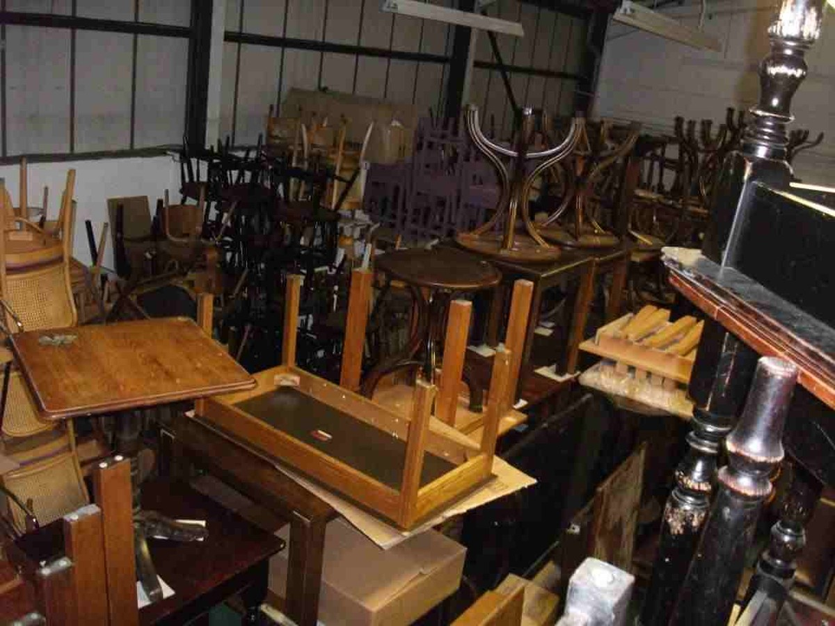 Secondhand chairs and tables stock liquidation