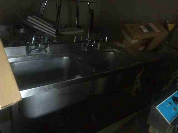 Commercial double washing sink