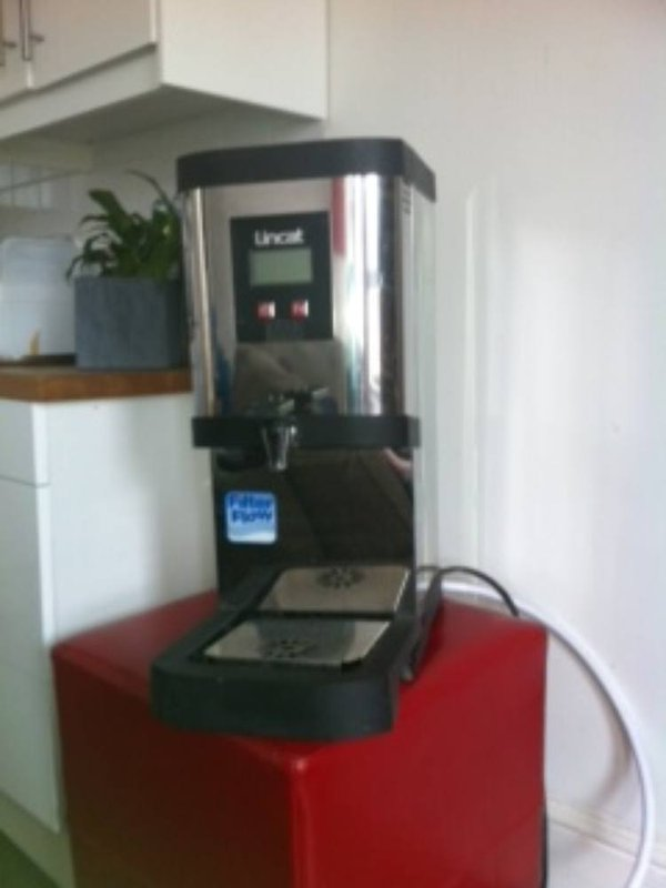 Beverage water boiler