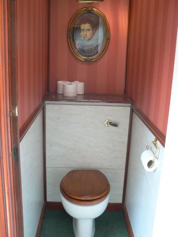Navy Blue 2+1 Luxury Toilet Trailer - Northants 3