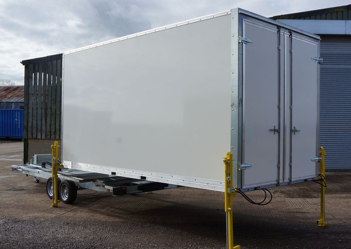 Secondhand trailers box trailers 16ft and 20ft for Case container 974