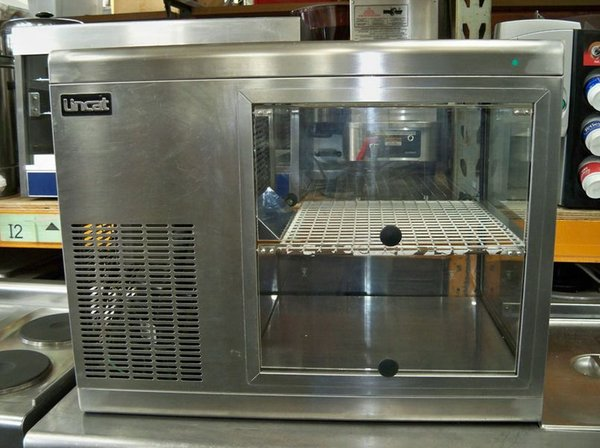 Lincat Refrigerated Sandwich / Cake Display