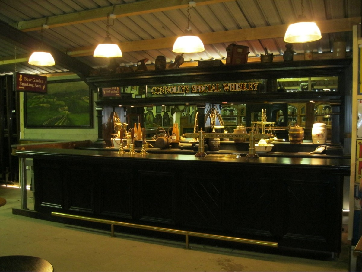 Secondhand Vintage And Reclaimed Bar And Pub Dark