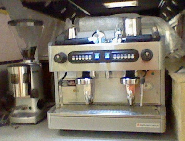 Bravura Coffee 2 Stage with Mazzer Grinder