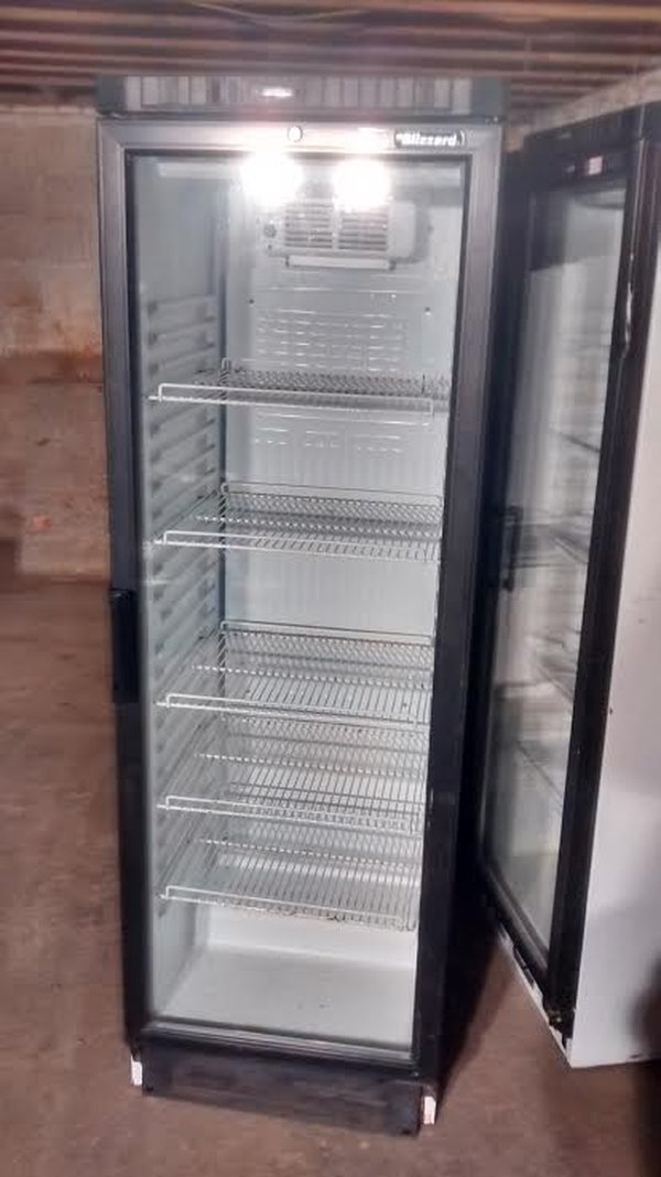Secondhand Shop Equipment Drinks Display Fridges