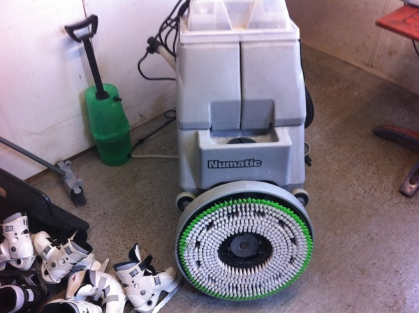 Numatic floor cleaner