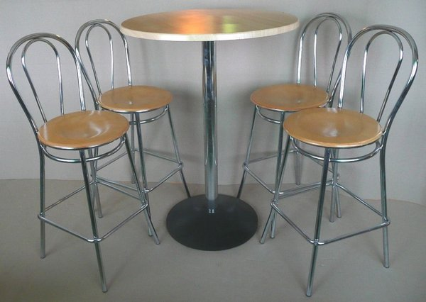 Bistro Poser Table and 4 High Stools