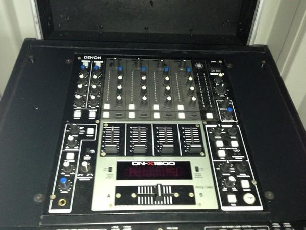 Denon DN - x1500 Mixer controls