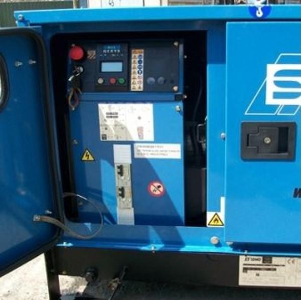 SDMO T8HKM Generator controls