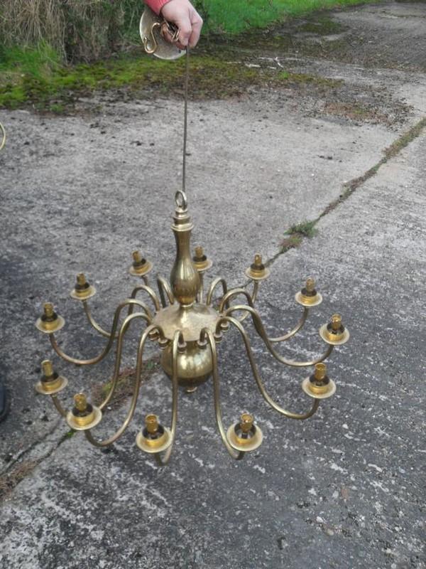 Belfast Electrified in 1895 chandeliers
