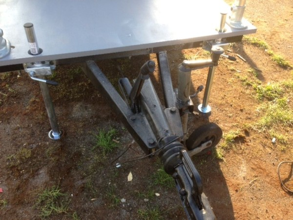 Toilet trailer tow bar