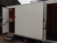 22 luxury toilet trailers
