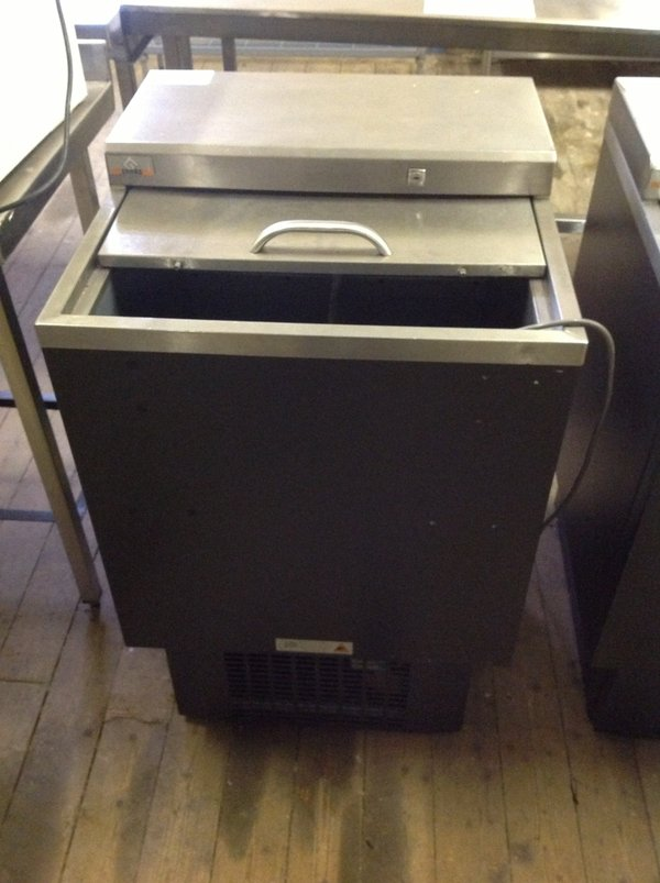 Used Gamko sliding top bottle cooler