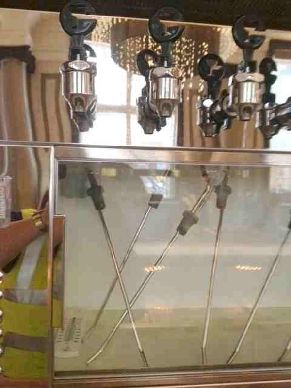 Cruvinet 16 bottle wine preserver