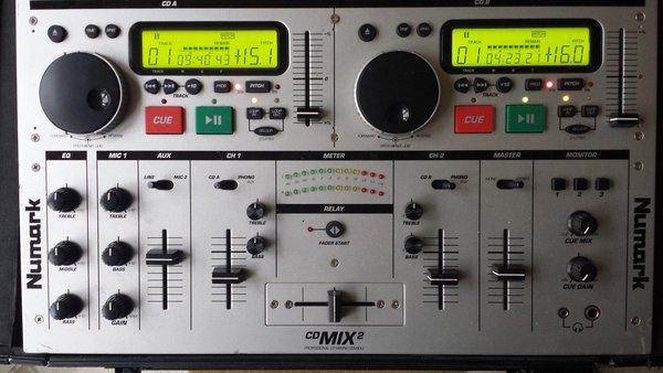 Newmark CD Mix 2 & 8 LED Stage Blinder