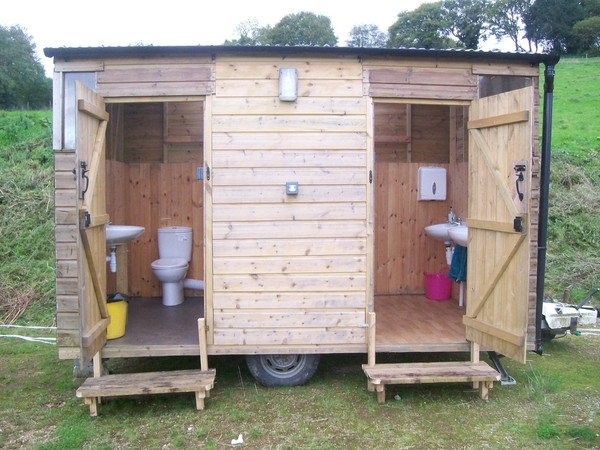Wooden toilet block