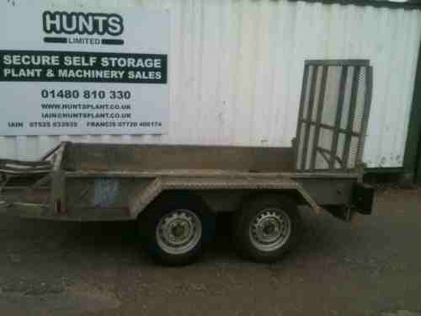 Trailer with loading ramps
