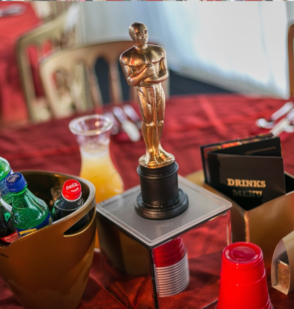25x Gold Oscars Statue Table Centres