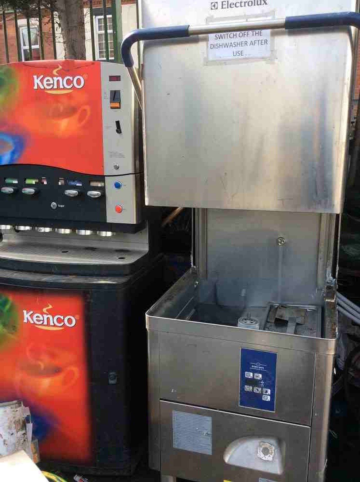 Secondhand Catering Equipment Drinks Vending Machines
