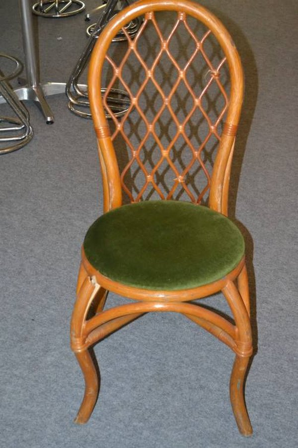 Beautiful Wicker/Colonial Style Banqueting Chairs