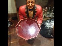 waiter figure