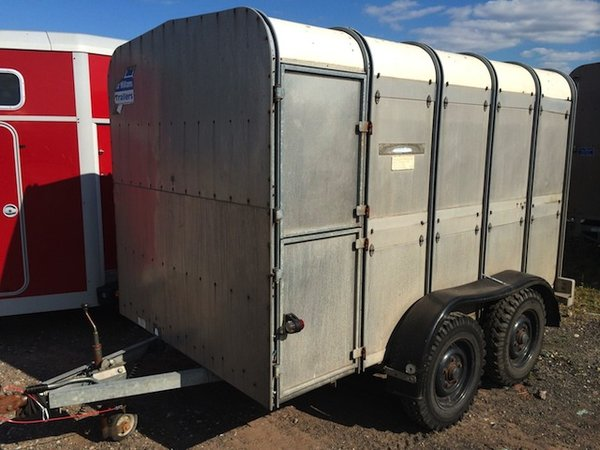 Ifor Williams TA510 10foot Alloy Livestock Trailer