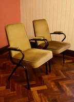 100 Theatre style tip-up chairs