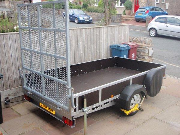 Small plant trailer