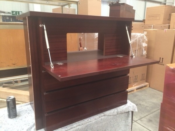 Brand New 3 Drawer Unit with Mahogany Stain