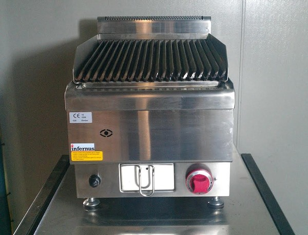 Brand New Single Burner Lava Rock Natural Gas/ LPG Gas Chargrill.