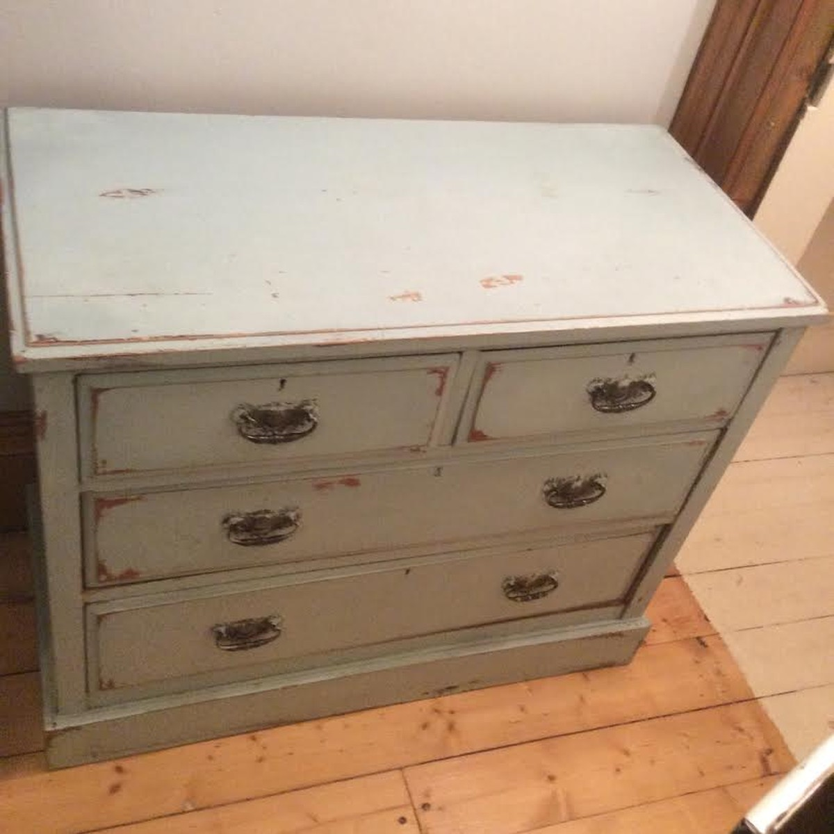 Secondhand Vintage And Reclaimed Shabby Chic Furniture