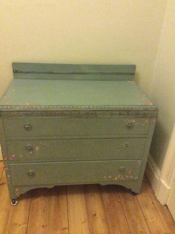Chabby Chic chest of drawers