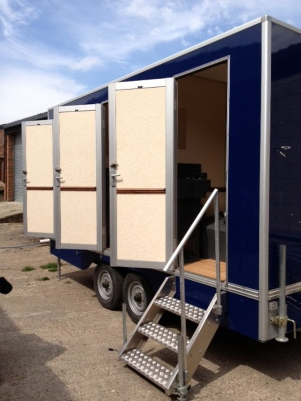 6 Single Bay Toilet Trailer