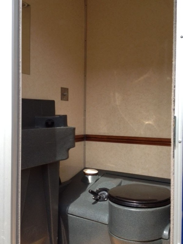 Selling 6 Single Bay Toilet Trailer