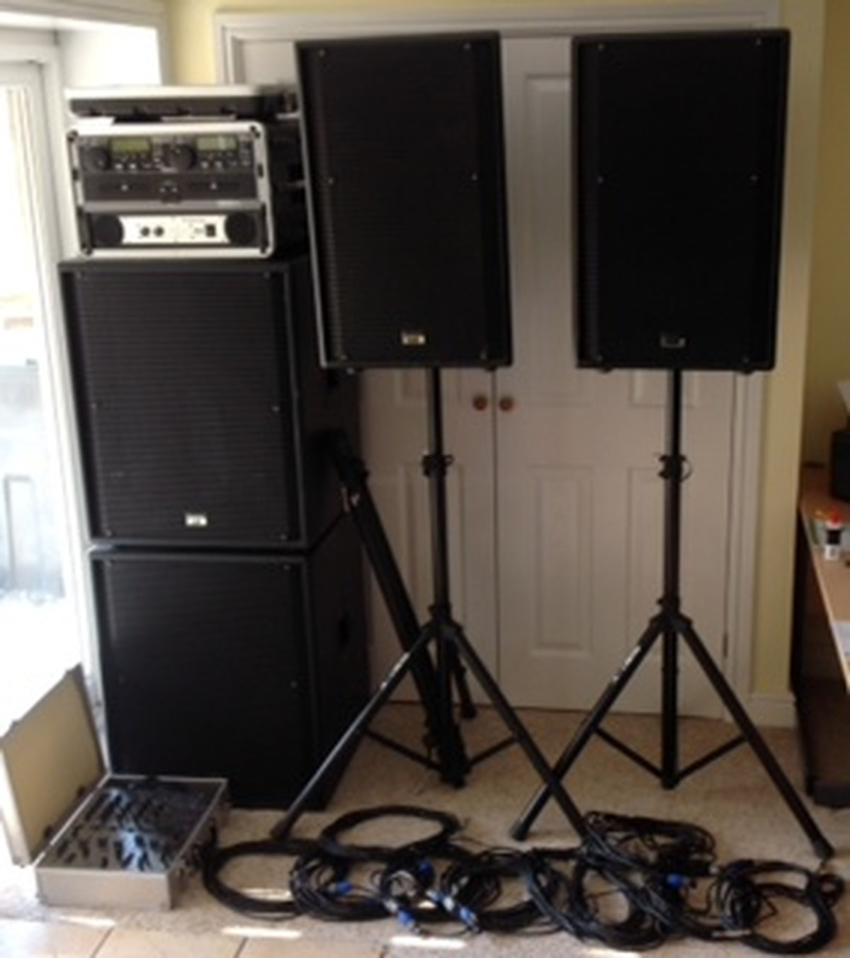 secondhand sound and lighting equipment pa systems pa dj music system scottish borders. Black Bedroom Furniture Sets. Home Design Ideas