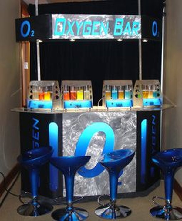 Oygen bar with stools