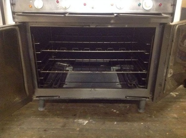 Falcon dominator electric oven
