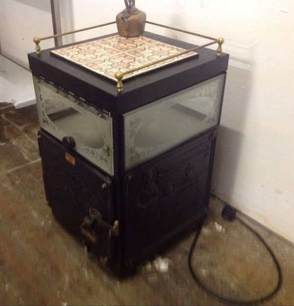 Victorian Baking Oven complete with Novelty Steaming Kettle