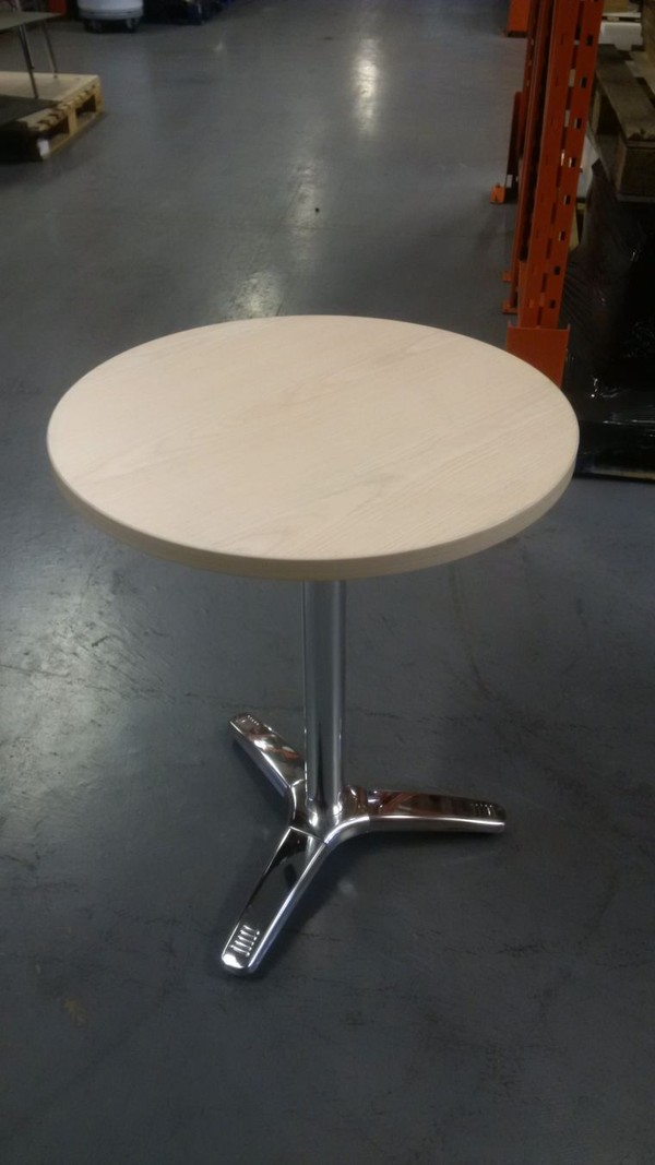 Chrome Alu Table base with round table top